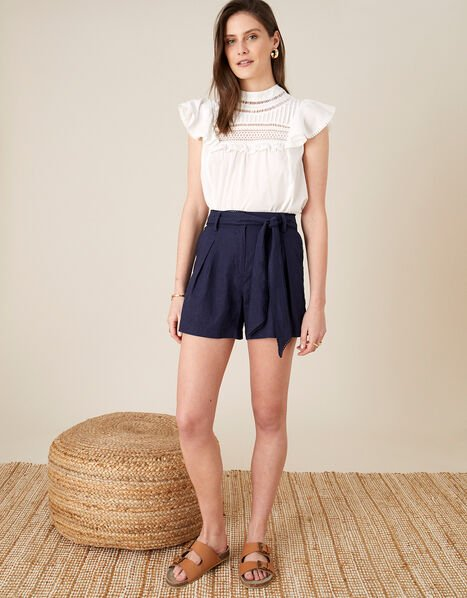 Scallop Shorts in Linen Blend Blue, Blue (NAVY), large