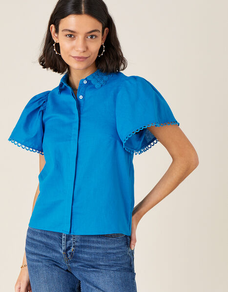 Lace Collar Shirt in Linen Blend Blue, Blue (BLUE), large