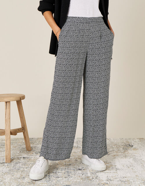 Printed Trousers in Sustainable Viscose, Black (BLACK), large